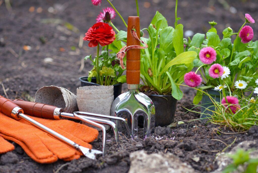 Montering af vejbelysning i haven